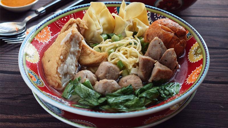 Makanan-khas-malang-Bakso-malang